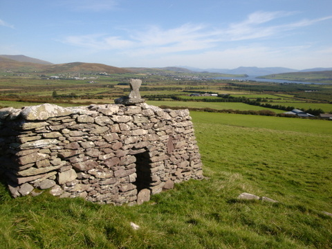Temple na geal, Dingle, Co. Kerry