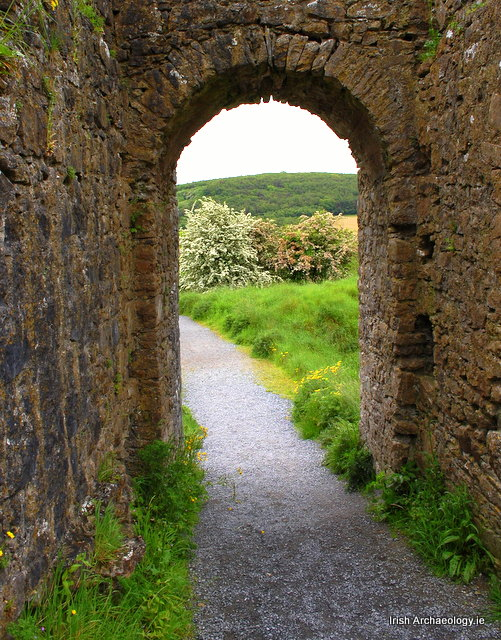 Medieval gate Dunamase castle