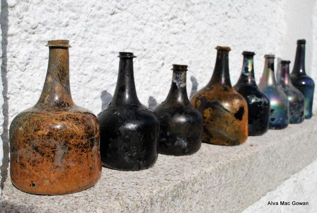 17th century wine bottles