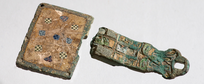 The house-shaped reliquary fragments (Photo: Bjørn Johnsen)