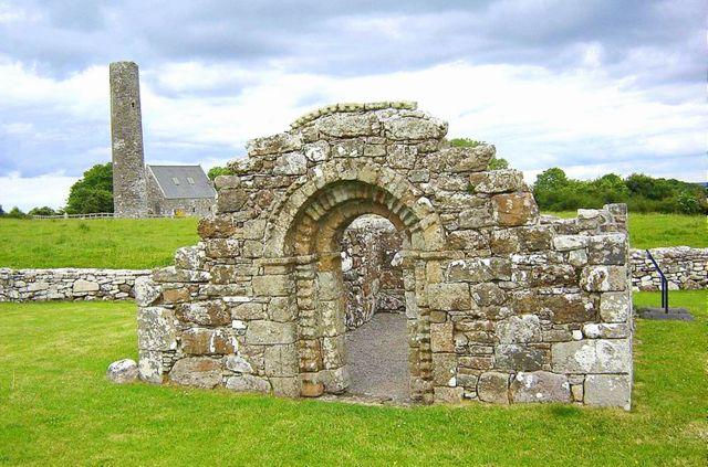 800px-Holy_Island_Clare_St._Brigids_Church